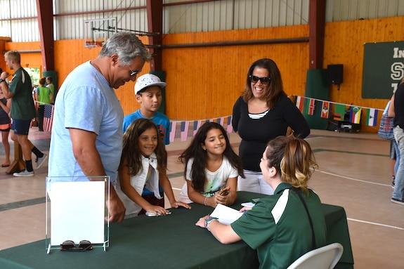 kids registering for sports camp